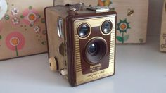 Brownie Six-20 (rare brown model)