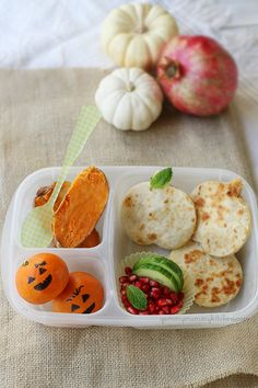 Cute and delicious autumn lunchbox ideas from YummyMummyKitchen.com     #kids #recipe #lunchbox