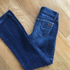 "Joe's Jean Honey Lightly worn, excellent condition. Straight leg. Kennedy wash. 28"" inseam. Joe's Jeans Jeans Straight Leg"