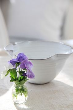 Love the fluted bowl in the background as well as the beautiful pansies
