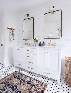 vanity-rug-low.jpg