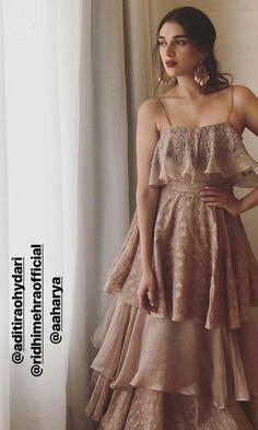 ideas wedding dresses elegant ruffles for 2019 Indian Designer Outfits, Indian Outfits, Designer Dresses, Beautiful Maxi Dresses, Beautiful Gowns, Elegant Wedding Dress, Elegant Dresses, Wedding Dresses, Diwali Dresses