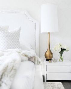 """124 curtidas, 3 comentários - STYLING TIP (@styling_tip) no Instagram: """"O total branco é a principal característica de um shape minimalista, seja na Moda ou no Décor.…"""""""