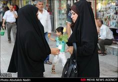 "Morality Police In Iran Hand Out Flowers For ""Good Hijab"""