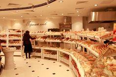 Выгодно ли открывать хлебные магазины, совмещенные с кофейнями?