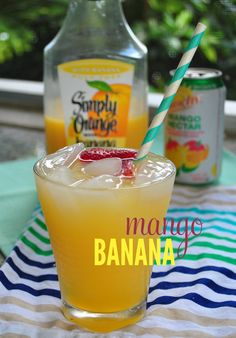 Mango Banana Rum Punch - serve this cocktail to your party guests. Mango Banana Rum Punch - serve this cocktail to your party guests. Party Drinks, Cocktail Drinks, Cocktail Recipes, Drink Recipes, Alcohol Recipes, Pina Colada, Refreshing Drinks, Summer Drinks, Non Alcoholic Drinks