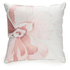 Biltmore White Magnolia 16 (€36) ❤ liked on Polyvore featuring home, bed & bath, bedding, white, jacquard bedding, white bedding set, white standard sham, biltmore bedding sets and biltmore bedding