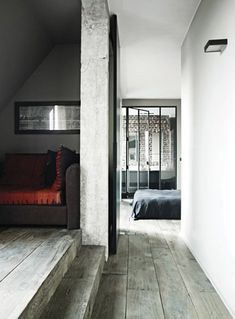 Sweet Sunday greetings from me with pictures of the loft apartment of the Bonnard family, located in Paris' arrondissement. Style At Home, Architecture Details, Interior Architecture, Loft Design, House Design, Lofts, Paris Loft, Bedroom Minimalist, Loft Stil