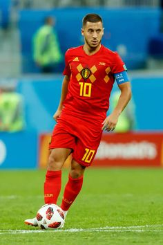 Eden Hazard of Belgium controls the ball during the 2018 FIFA World Cup Russia Semi Final match between France and Belgium at Saint Petersburg. Best Football Players, Football Boys, Eden Hazard, Real Madrid Players, Soccer Pictures, Football Wallpaper, Semi Final, Saint Petersburg, Fifa World Cup