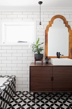 House Rules: Our favourite room makeovers ever - Bohemian Home Eclectic Bathroom, Eclectic Decor, Modern Bathroom, Bad Inspiration, Bathroom Inspiration, Bathroom Ideas, Bathroom Pics, Bathroom Inspo, Bathroom Vanities
