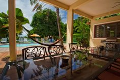 Apartment in Rincon, Puerto Rico. My place is close to great views, the beach, family-friendly activities, and restaurants and dining. You'll love my place because of the kitchen, the high ceilings, the views, and the location. My place is good for couples, solo adventurers, famil...