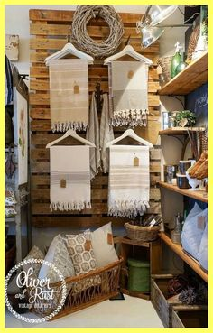 Visual store display luxury at home decor store luxury 1670 best visual merchandising shop - Savvy Ways About Things Can Teach Us
