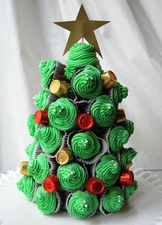 35 Cool And Creative DIY Christmas Tree Ideas You Surely Don't Want To Miss