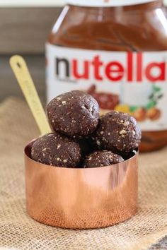 The BEST ever Healthy 'Nutella' Bliss Balls made with just 3 ingredients. dates, hazelnuts & cocoa powder! We all know that the best way to eat Nutella is straight out of the jar with a Nutella Snacks, Healthy Nutella Recipes, Nutella Fudge, Protein Recipes, Protein Foods, Healthy Desserts, Gourmet Recipes, Sweet Recipes, Whole Food Recipes