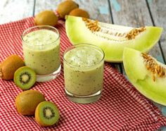 Honeydew Kiwi Lime Smoothie 2 cups of honeydew melon cubed 4 kiwi juice from lime ice (optional) Coconut Smoothie, Smoothie Bowl, Honeydew Melon, Fat Burning Smoothies, Weight Loss Smoothies, Tonic Water, Juicing For Health, Kiwi Smoothie, Healthy Smoothies