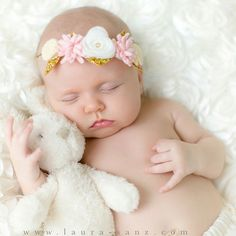 Cant get over how sweet this baby is. Flower crown by @victoriasclass and photo by @laurasanz_modernphotography . If you ever need a family photographer in #Houston, look no further! #minifloralcrown #babyflowercrown #babyphotography #newbornflowercrown #newbornphotography #newbornphotoshoot #newbornphoto #minifloralcrown #flowercrown #flowerheadband #babyflowerheadband