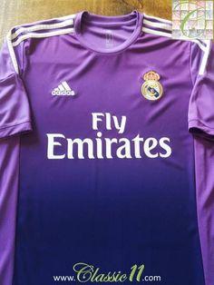 Relive Real Madrid's 2013/14 season with this original Adidas goalkeeper football shirt.