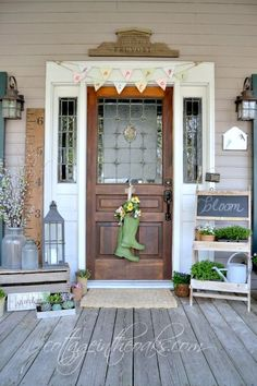 """Great Ideas for front porch spring decor ~ Cottage in the Oaks Spring Home Tour / The """"Flower Garden"""" sign! Cottage Front Porches, Country Porches, Farmhouse Style, Farmhouse Decor, Farmhouse Front, Diy Porch, Porch Ideas, Patio Ideas, Summer Porch"""