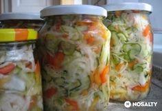 Csalamádé télire egyszerűen | NOSALTY Pickling Cucumbers, Hungarian Recipes, Fermented Foods, A 17, Fresh Rolls, Soul Food, My Recipes, Food And Drink, Meals