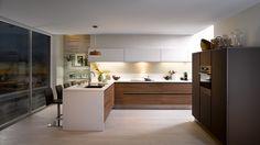 Kitchen equipped scandinavian-L - E-LABEL wood brown - Cuisinella Kitchen Furniture, White Kitchen, Kitchen Remodel, Kitchen Decor, Kitchen Remodel Layout, Kitchen, White Modern Kitchen, Home Kitchens, Kitchen Renovation