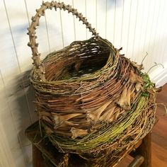 autumn harvest used fresh (green fibre). Fibres in order of appearance - from centre base are - red cordyline before willow rim. Various corded fibres throughout including dried flower heads and stems. all from Sydney' Weaving Textiles, Weaving Art, Willow Weaving, Basket Weaving, Contemporary Baskets, Making Baskets, Garden Basket, Pine Needle Baskets, Weaving Projects