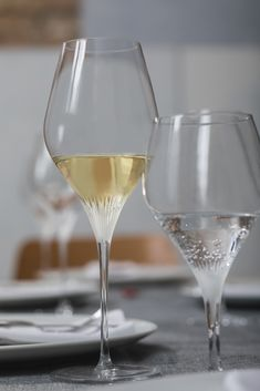 Flute, White Wine, Martini, Alcoholic Drinks, Champagne, Van, Tableware, Glass, Markers