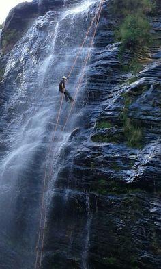 Rapel cachoeirismo na cachoeira de Cocais