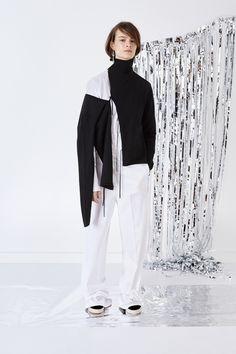 Ports 1961 Pre-Fall 2016 Fashion Show