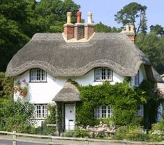 Lovely example of thatched roof cottage. Fairytale Cottage, Storybook Cottage, Garden Cottage, Cozy Cottage, Cottage Living, Cottage Homes, White Cottage, Cottage House Designs, Style Cottage