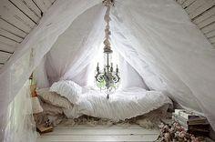 Num romance de Jane Austen. | 39 lugares para você sonhar em dormir agora mesmo