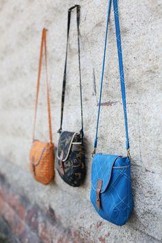 Carkai Gatherer Crossbody Bag by Anna Graham for Robert Kaufman.  sewing pattern