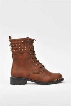 Boots~! :D
