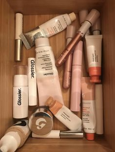 Buy Now Glowing Dewy Glossier Makeup Skincare Beauty Care, Beauty Skin, Beauty Makeup, Glossy Makeup, Skin Makeup, Lipgloss, Make Up Collection, Face Skin Care, Healthy Skin Care