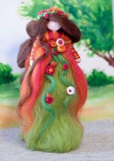 wool fairy, Fee aus Märchenwolle, Herbst, fairy, felt, wool, craft, märchenwolle, waldorf, Jahreszeitentisch https://www.facebook.com/Colorspell