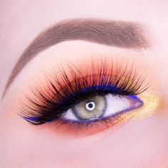 Makeup Geek Eyeshadow in Beaches and Cream, Chickadee and White Lies  + Makeup Geek Full Spectrum Eye Liner Pencil in Cobalt. Look by: Eline van Lent