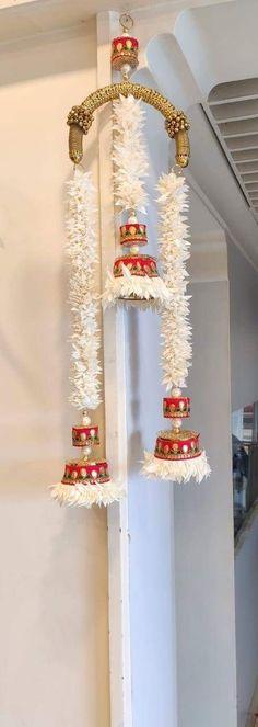 Diwali Decoration Items, Diwali Decorations At Home, Diwali Diy, Diwali Craft, Creative Wall Decor, Creative Crafts, Leaf Crafts, Diy Crafts, Door Hanging Decorations