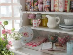 An unbelievably beautiful miniature!! I want this as my real kitchen <3 Stunning <3