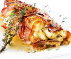 Dégustez un rôti de lotte au lard et beurre de thym Here you will find a new recipe from Chef Cyril Lignac: monkfish roast with bacon and thyme butter. Cooking For A Group, Cooking Chef, Fun Cooking, Cooking Time, Cooking Recipes, Cooking Hacks, Cooking Videos, Cooking Tools, Cooking Png