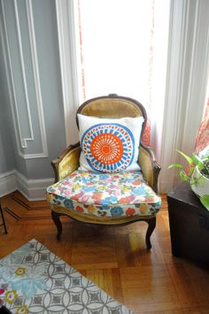 Why do I love this.  Because I can find a chair just like this and I can possibly find some great material that screams FUNKy. Love the Pillow