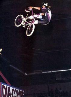 Mike Dominguez looking back in Paris Retro Bicycle, Bmx Bicycle, Bmx Bikes, Velo Vintage, Bmx Racing, Bmx Freestyle, The Old Days, Bike Parts, Extreme Sports