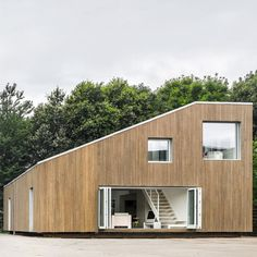 Hochwertig I Like This Shipping Container Home Design. I Am Not Super Fond Of The  Inside, But I Like The Design Of The Two Containers On One Side, Slanted  Roof Down To ...