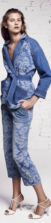 Compraria qual peça ?   Encontre jeans para completar seu look  http://imaginariodamulher.com.br/look/?go=2gze2GH