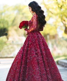 Instagram : @di1ara #wedding #henna #engagement #dress #arab #turkish