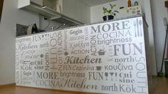 Excelente propuesta de trama tipográfica para tu cocina. Inspirada en el programa solamente vos, la más pedida para cocinas.  Consultanos por colocación.