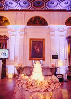This San Francisco wedding cake is a jaw-dropping beauty. // Clane Gessel Photography