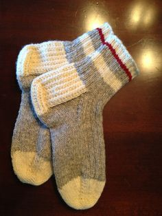Knitted Socks Free Pattern, Knitted Doll Patterns, Crochet Slipper Pattern, Knitted Dolls, Knit Or Crochet, Knitting Patterns Free, Knitted Hats, Crochet Patterns, Easy Knitting