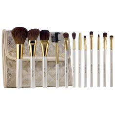 Mother's Day Gift Inspiration: Gold Star Prestige Pro Brush Set - SEPHORA COLLECTION #sephora #mothersday #gifts #giftideas