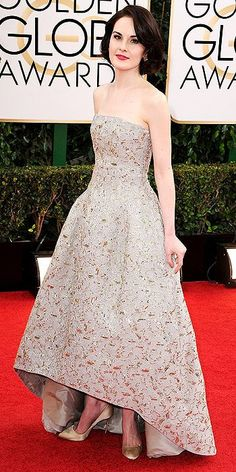 Golden Globes 2014: Arrivals : Michelle Dockery evokes classic glamour in this gold and white gown