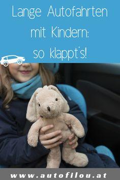 Kinder im Auto zu unterhalten, kann schwierig sein. Für lange Autofahrten haben wir hier Tipps für Autofahren mit Kindern. Kind Und Kegel, Teddy Bear, Roadtrip, Toys, Animals, Ideas, Kids Sleep, Traveling With Children, Long Car Rides