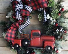 Christmas Little Red Truck, Christmas Truck, Black and Red Christmas, Buffalo Plaid Christmas x Black Christmas, Western Christmas, Christmas Swags, Xmas Wreaths, Christmas Mantels, Christmas Holidays, Christmas Crafts, Christmas Ornaments, Christmas Truck